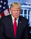trump_picture_in_front_of_flag